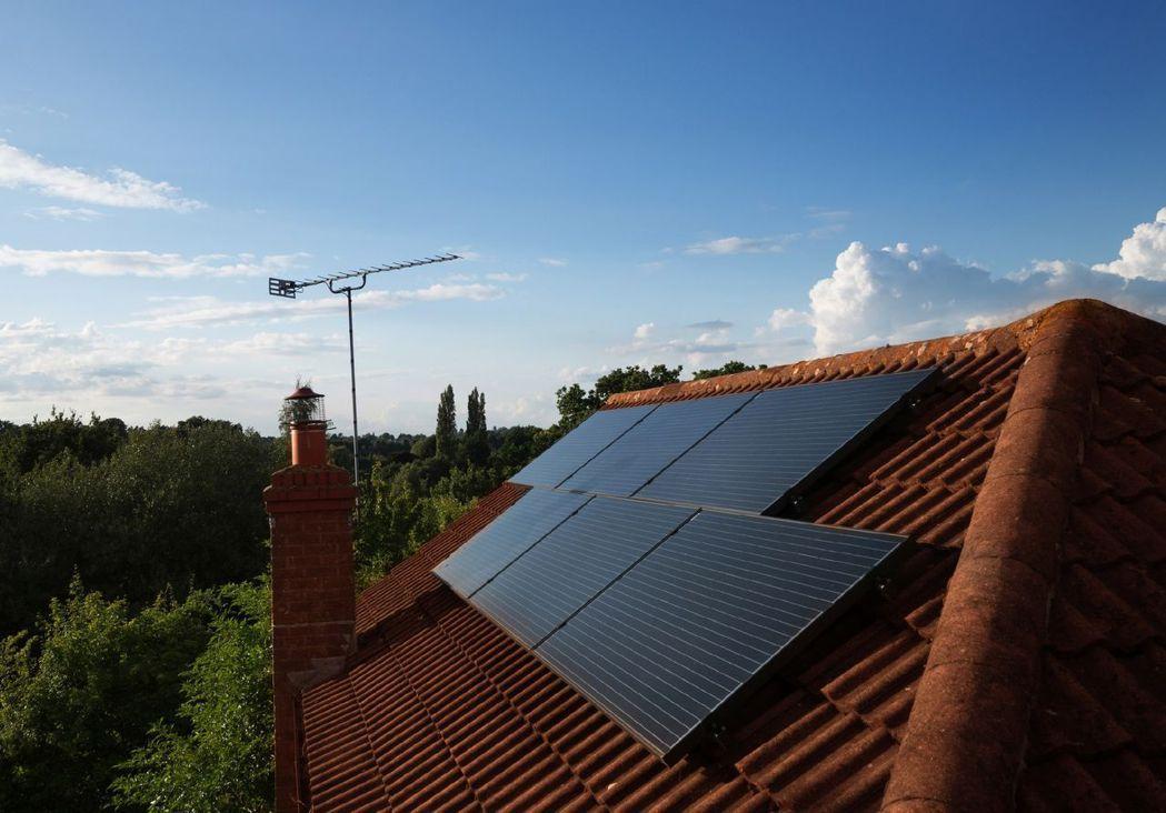 IKEA在國外,有販售太陽能電池板,可裝設在個人家中。圖/IKEA提供