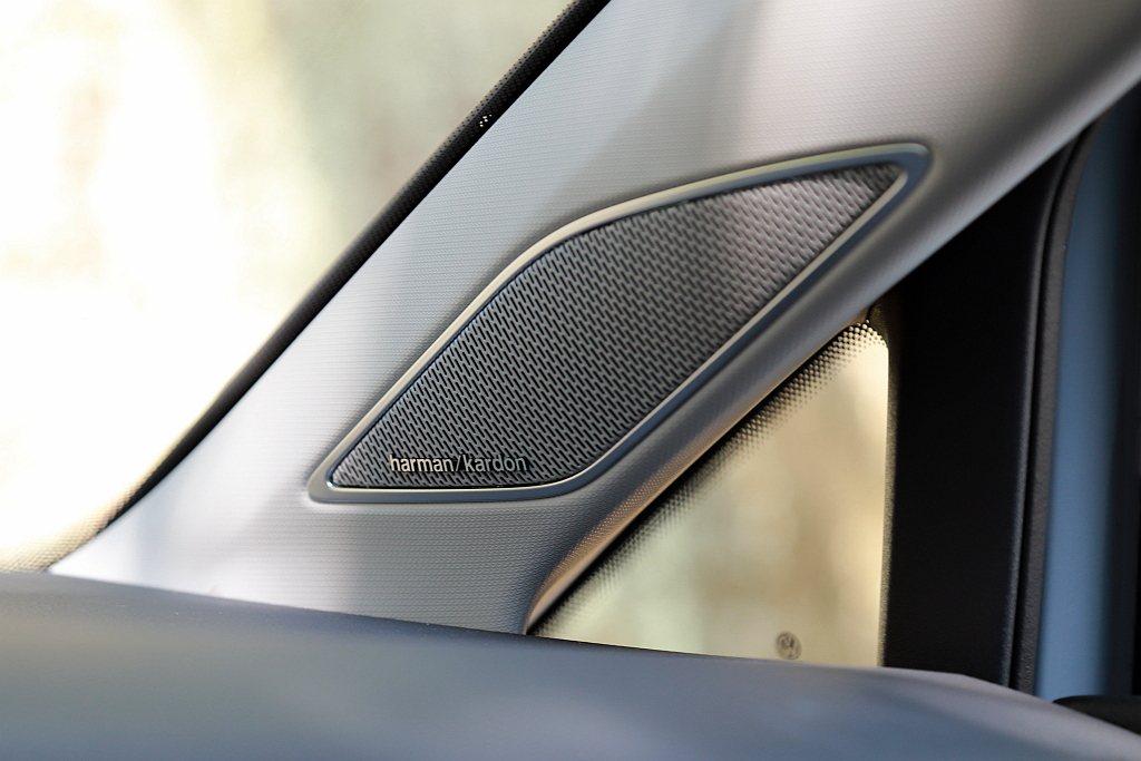 試駕車福斯Golf Variant 280 eTSI Style還額外選配4.8...