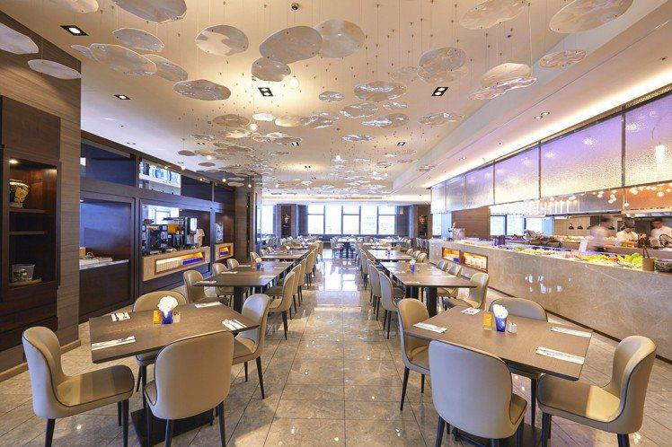 台北凱達大飯店5樓的百宴自助餐廳,訴求高CP值、空間寬敞舒適。圖/台北凱達提供