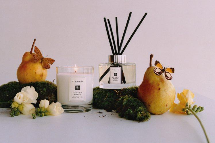 Jo Malone London英國梨與小蒼蘭香氛蠟燭、室內擴香。圖/Jo Ma...