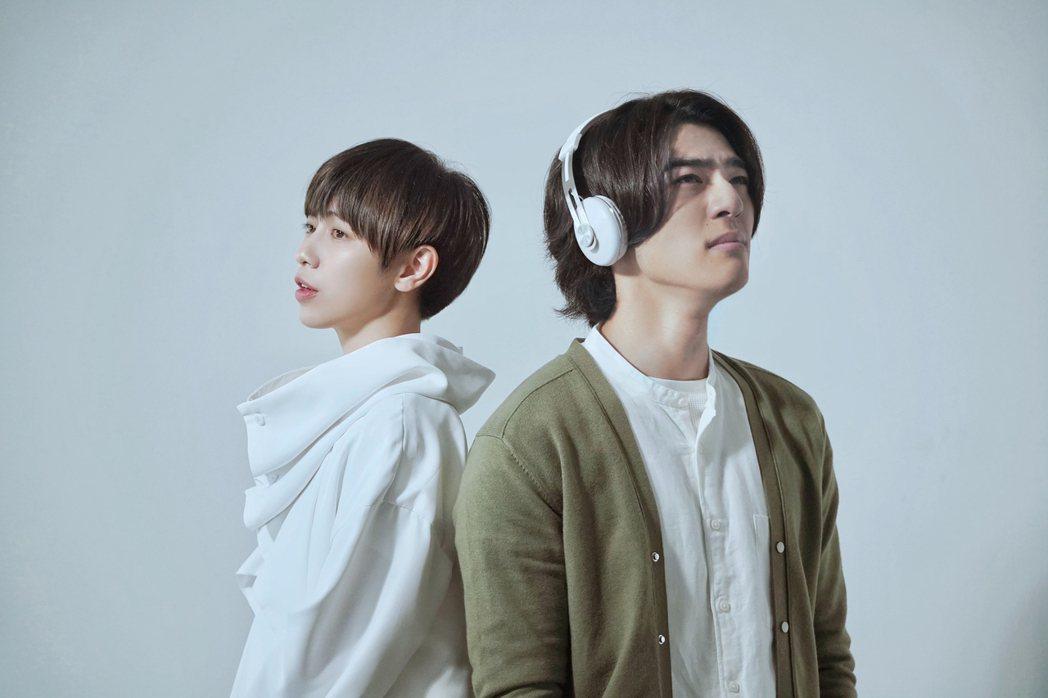 陳昊森(右)為魏嘉瑩新歌「你好嗎」擔綱男主角。圖/小魏工作室提供