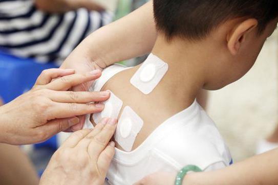 大陸不少醫院中醫科每到夏天就會有不少病患前來貼「三伏貼」。圖/取自搜狐