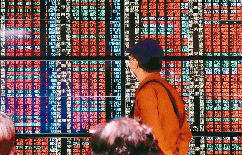 股上周加權指數全周大漲867點,大盤重返萬七大關,收復半年線、月線。圖/聯合報系資料照片
