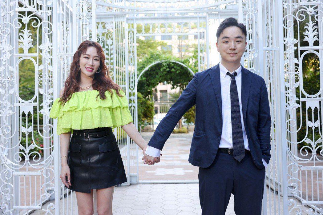林佩瑤(左)和老公武俊傑婚後甜蜜幸福。記者李政龍/攝影