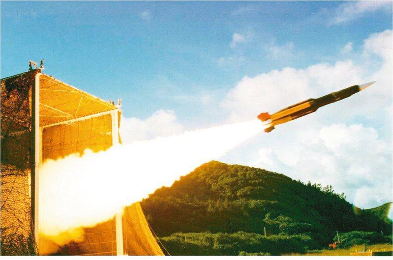 圖為雄風三型反艦飛彈發射瞬間。圖/中科院提供