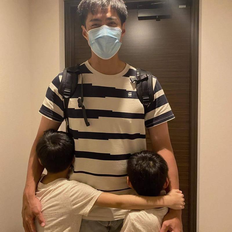 陳偉殷終於在日本跟家人團聚。 圖/擷自陳偉殷臉書