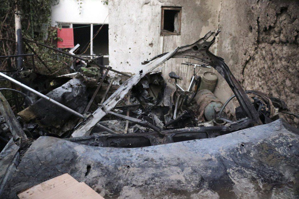 雖然美軍第一時間表示:這起「空襲反恐」行動非常順利,成功擊殺了ISIS-K的自殺...