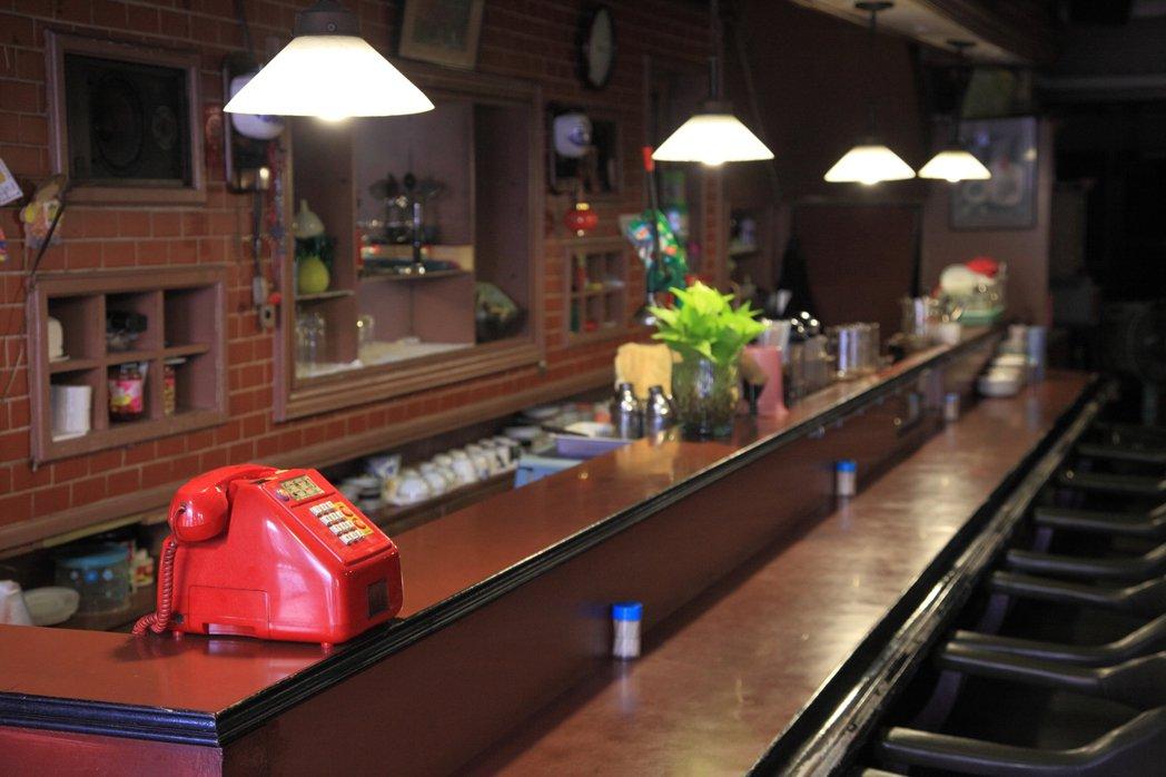1983年開業,位於台中自由路的巧園咖啡。圖/Hally Chen提供