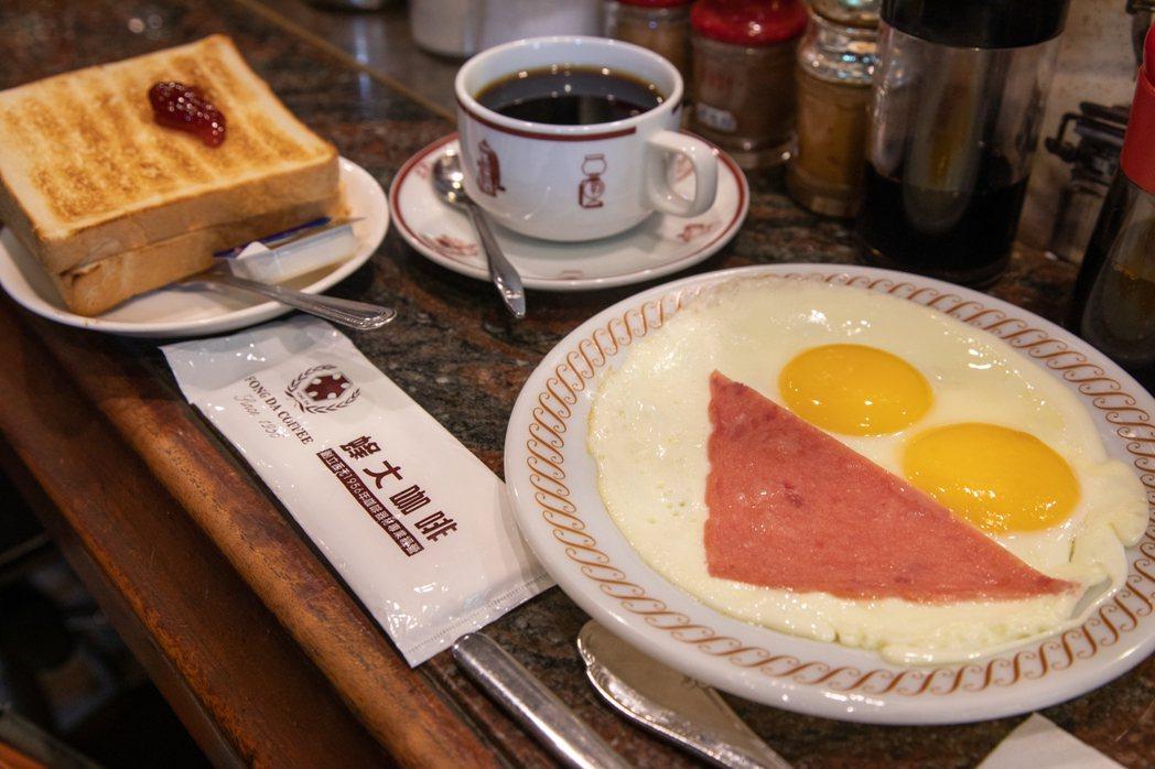 每間人情咖啡店的早餐都各有招牌特色,用早餐來認識台灣老咖啡店是不錯的開始。圖/H...
