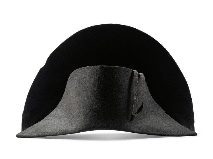 拿破崙皇帝雙角帽,估價10萬英鎊起。圖/邦瀚斯提供
