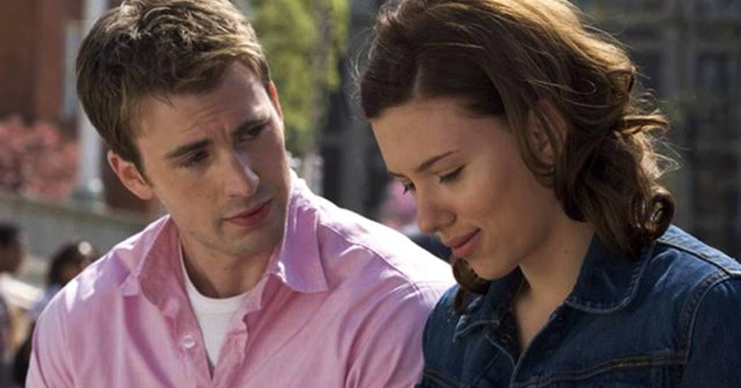 克里斯伊凡(左)和思嘉莉約翰森還曾合演「豪門保姆日記」。圖/摘自imdb