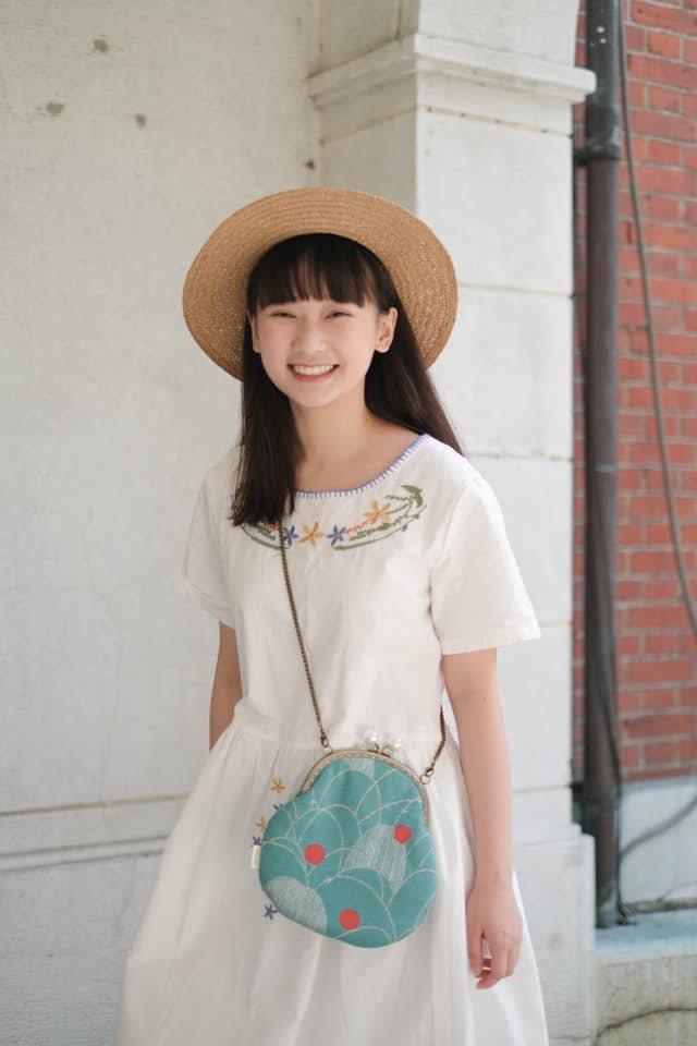 吳鈺萱演出「黃金歲月」前,先找媽媽練台語。圖/民視提供