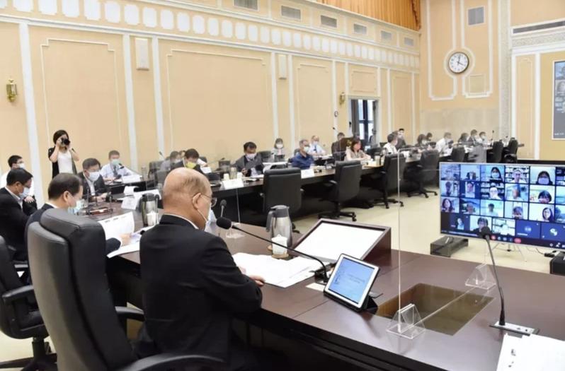 行政院長蘇貞昌昨主持「行政院國家永續發展委員會第33次委員會議」。圖/行政院提供