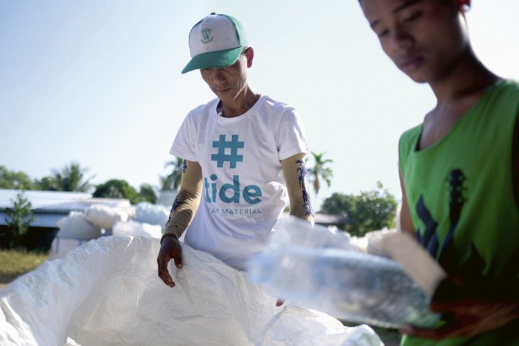 ORIS與氣候變遷應對組織ClimatePartner合作,關心海洋,並將PET...