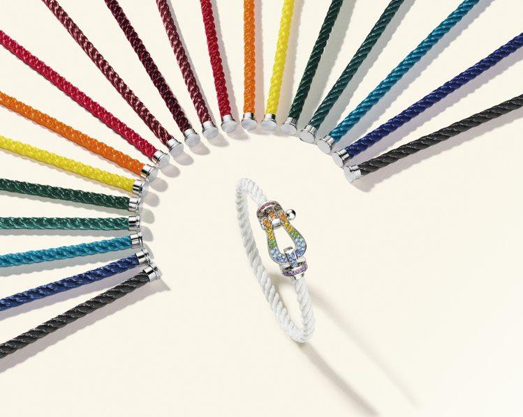 以帆船運動為創作靈感的FORCE 10系列是品牌最經典的珠寶,材質色彩變化豐富。...