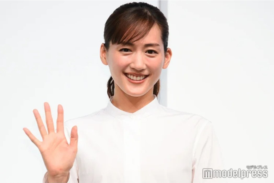 綾瀨遙被傳染確診。圖/摘自modelpress