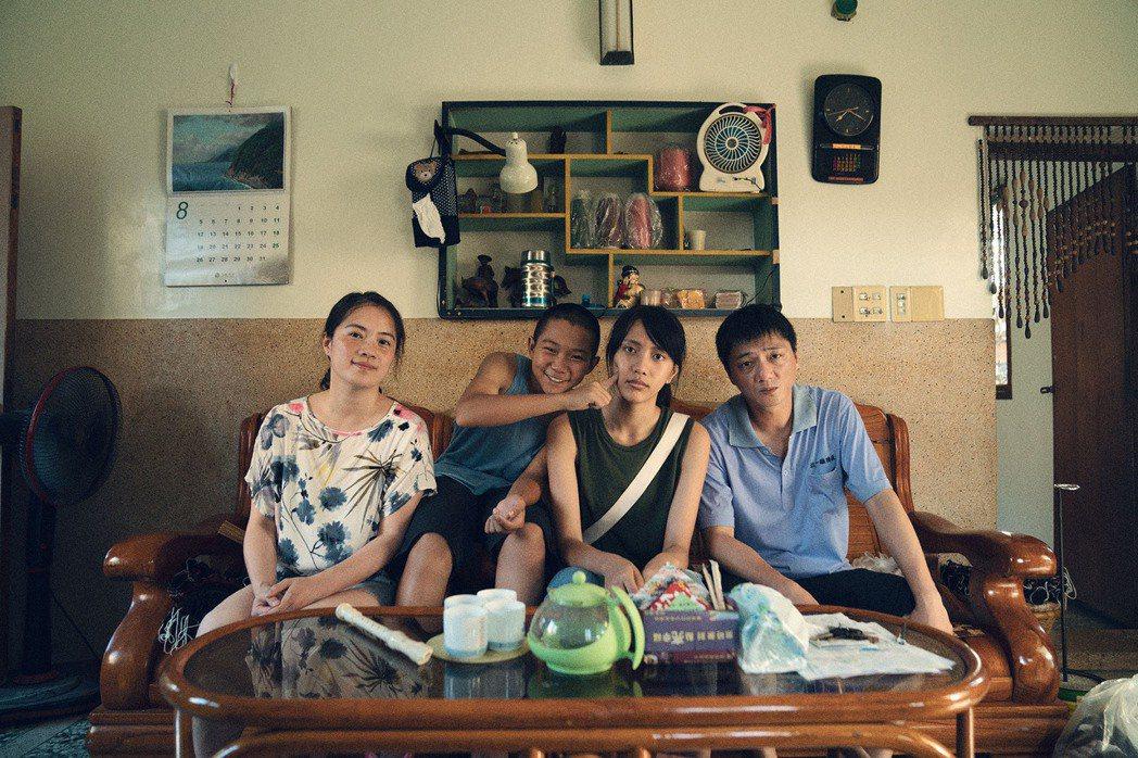 台灣組由鄭有傑監製,台灣新銳導演潘客印執導的「姊姊」描繪扣人心弦的家庭親情,由藍