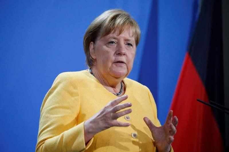 德國總理梅克爾不再競選連任,使許多選民一時不知道該投誰當下任總理。法新社