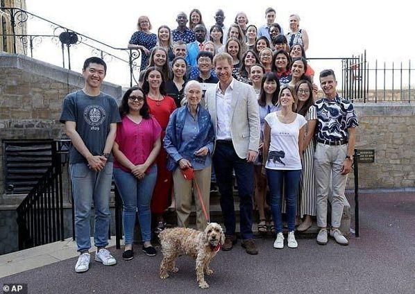 黃筱涵赴英國參加「赴英國參加根與芽基金會」活動。 圖/黃筱涵提供