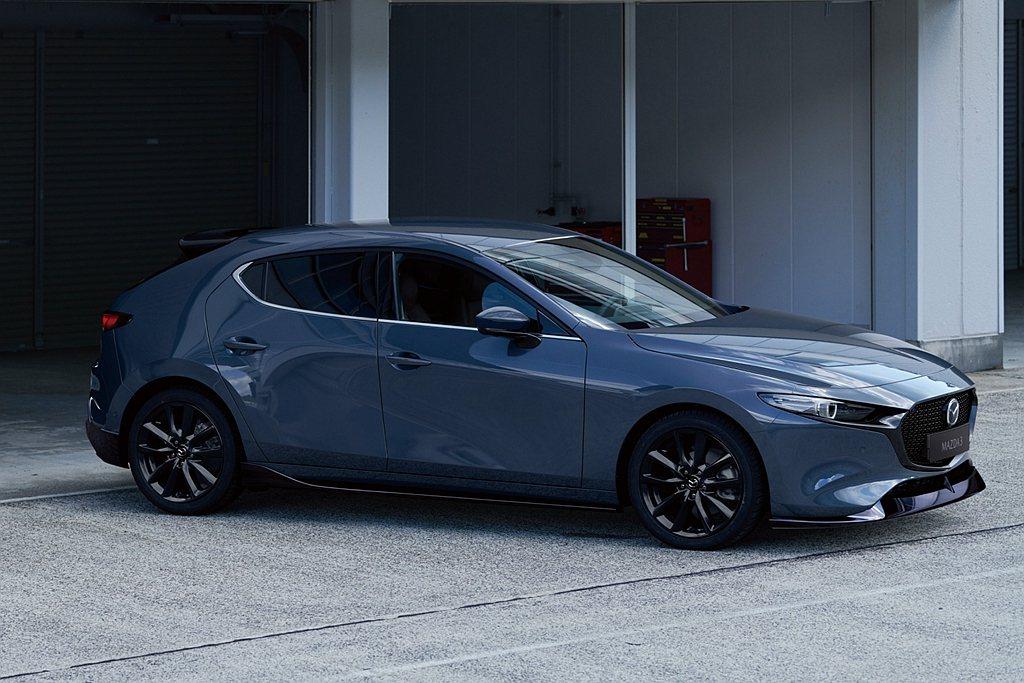 Mazda3售價84.9萬(四門)/85.9萬(五門)的型動尊榮安全版,領先同級...