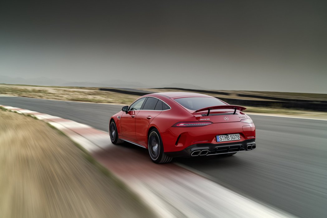 全新插電猛獸Mercedes-AMG GT 63 S E Performance...