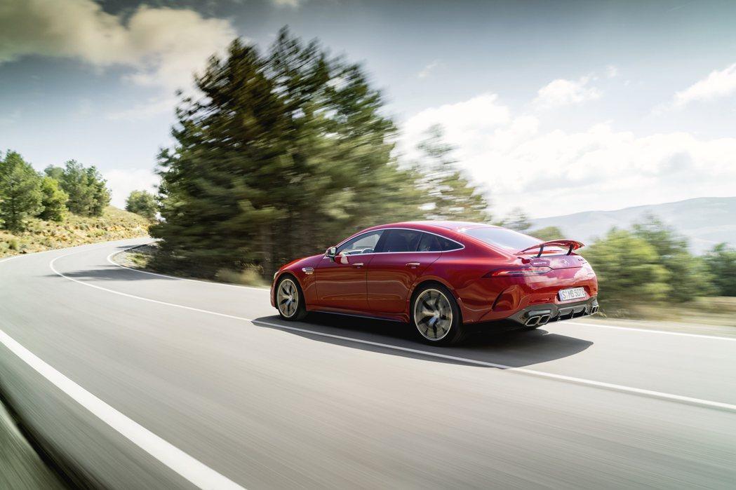 Mercedes-AMG GT 63 S E Performance綜效馬力可達...