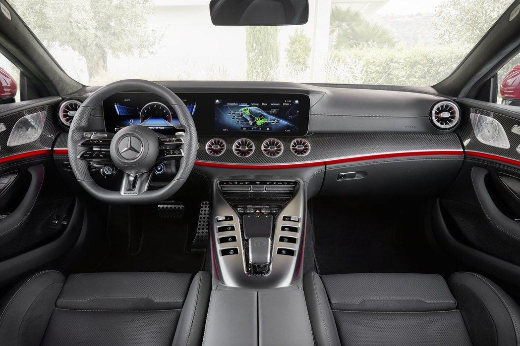 全新Mercedes-AMG GT 63 S E Performance內裝。 ...