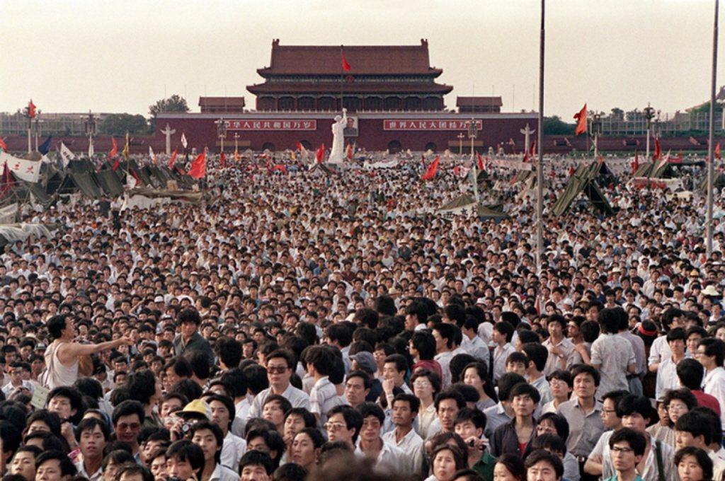 從反映一個民間中國、尤其是知識分子群體的角度,《在人民之間》有其無庸置疑的貢獻。圖為八九學運現場。 圖/聯合報系資料照片