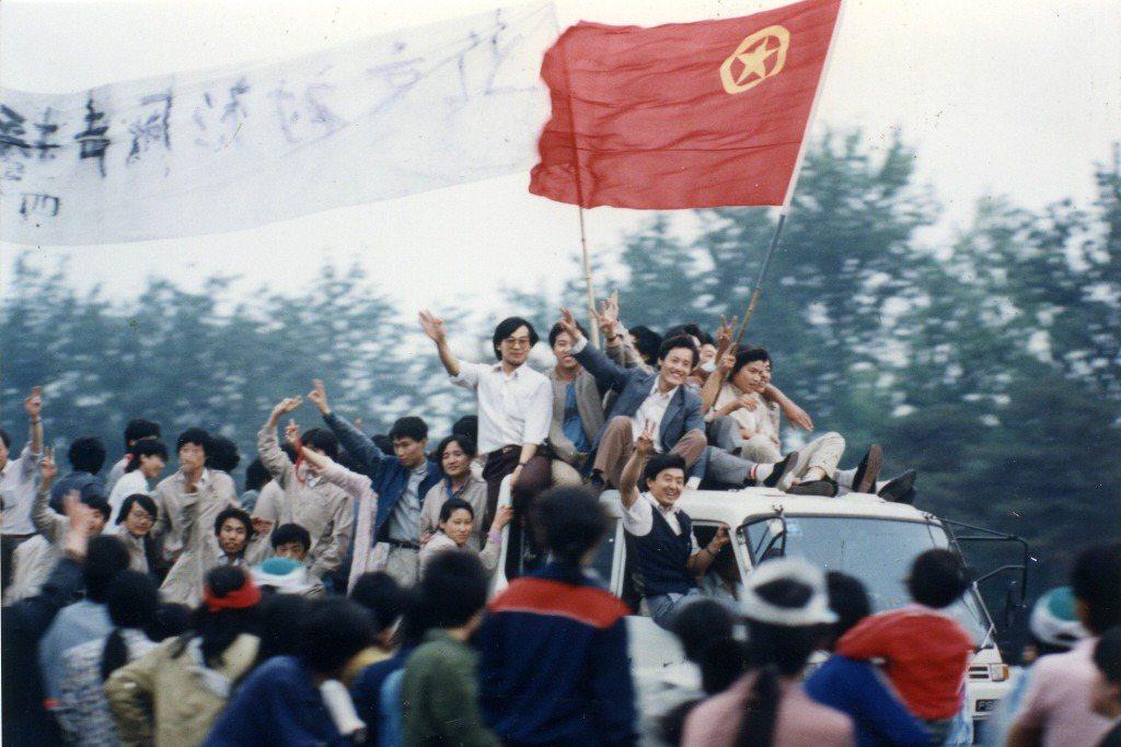 「知識分子」這個概念,自「八九學運」以鎮壓收場後便在中國逐漸衰微。圖為當年參與八九學運的中國大學生。 圖/聯合報系資料照片
