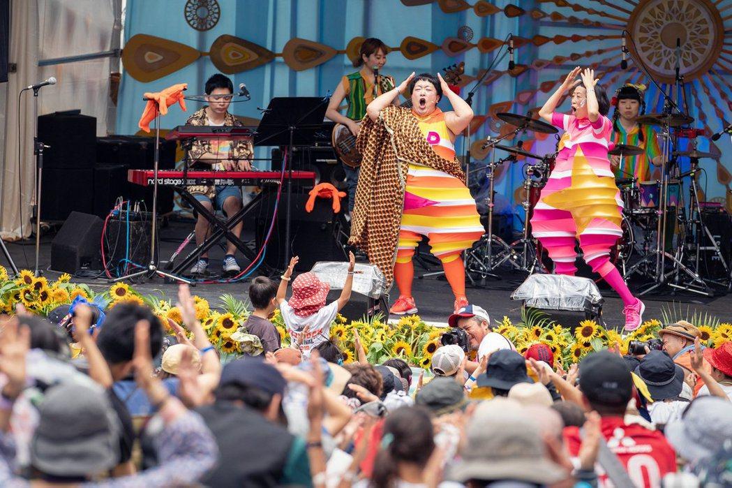 湯澤町是個以觀光為生的小鎮,音樂祭每年對當地帶來的經濟效益可不是只有三天而已,甚...