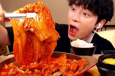 從今以後,韓式泡菜正名為「辛奇」!  圖/出自韓國吃播youtuber SIO