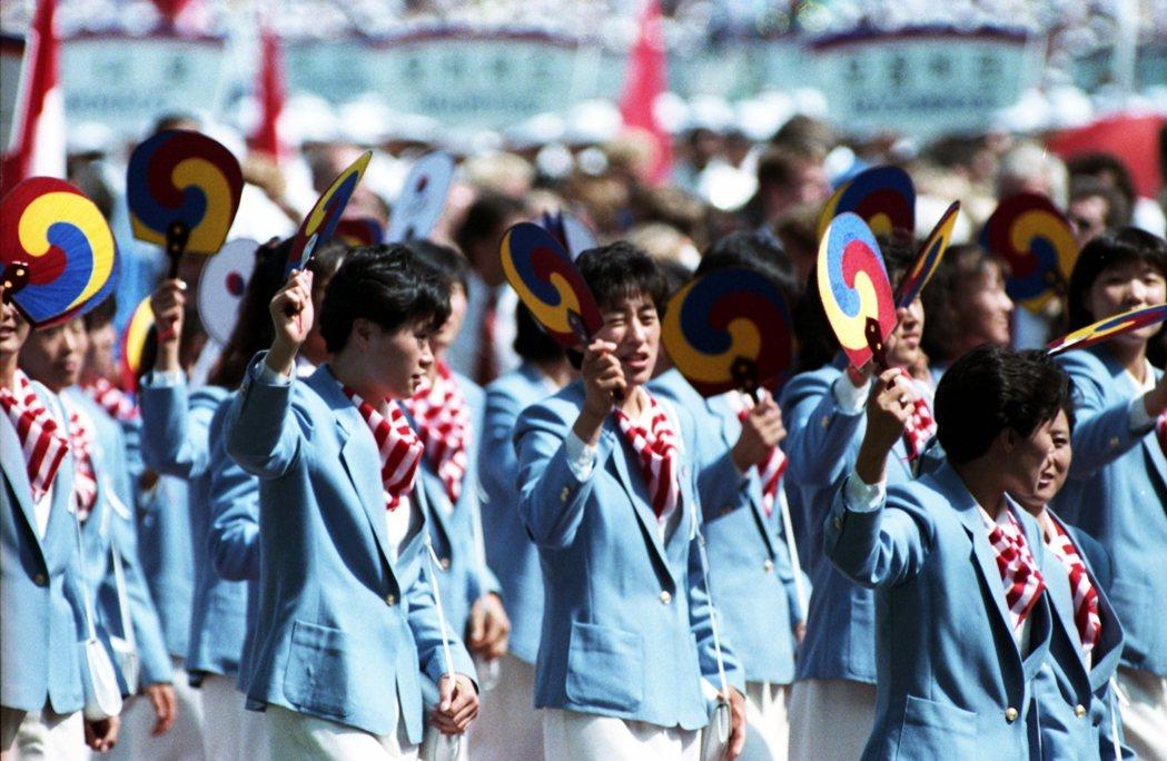 1988年漢城奧運後上升的民族自信與韓流崛起,首爾的正名確有其道理。隨著公告正名...