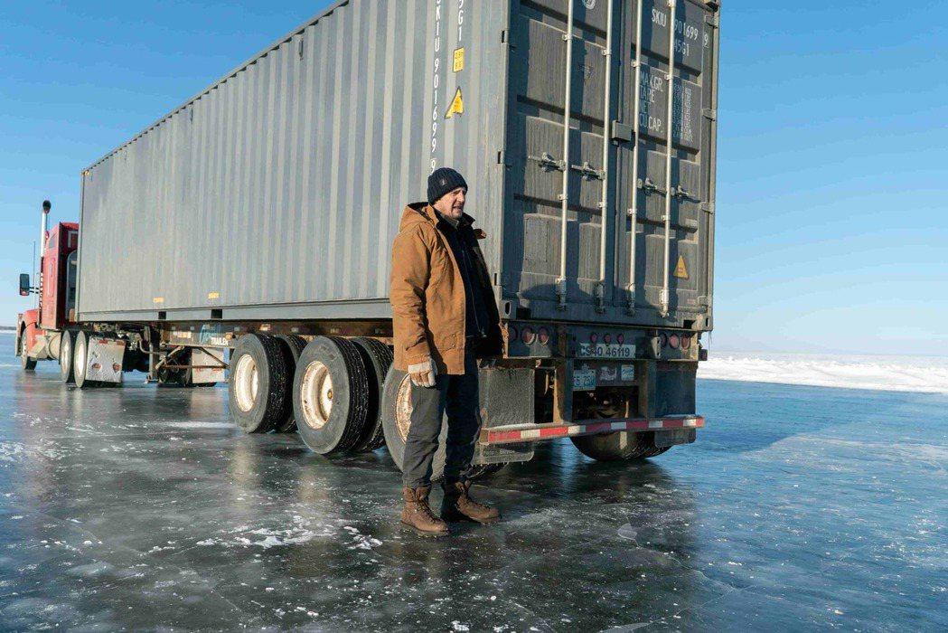 連恩尼遜主演「疾凍救援」冰路實景拍攝超狂。圖/甲上提供