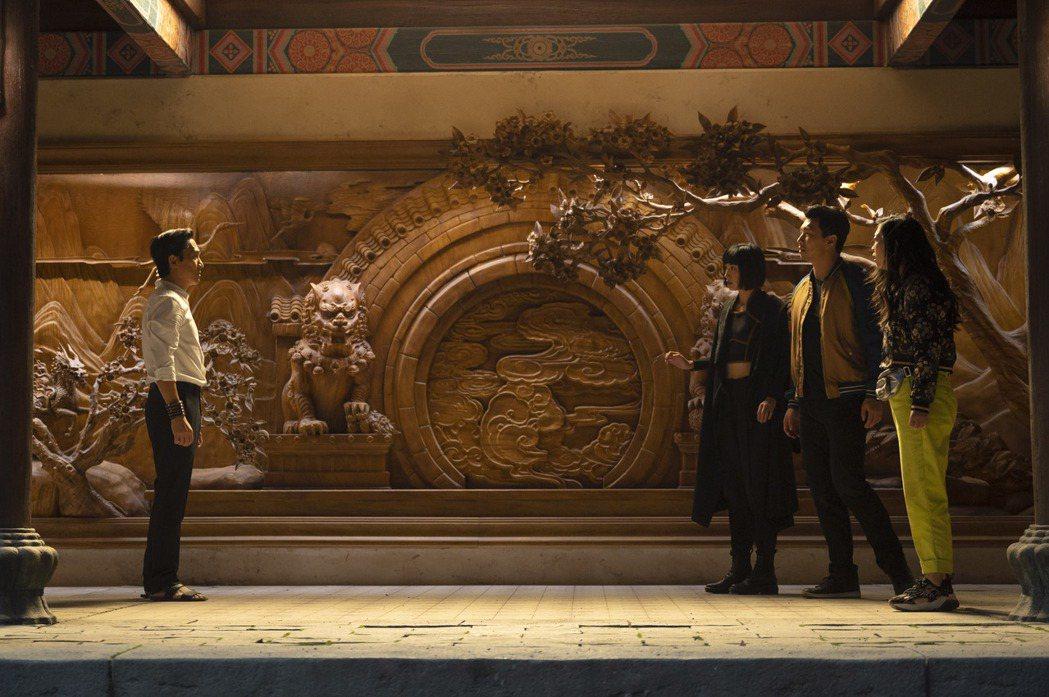 「尚氣與十環傳奇」是漫威最新動作大片。圖/迪士尼提供