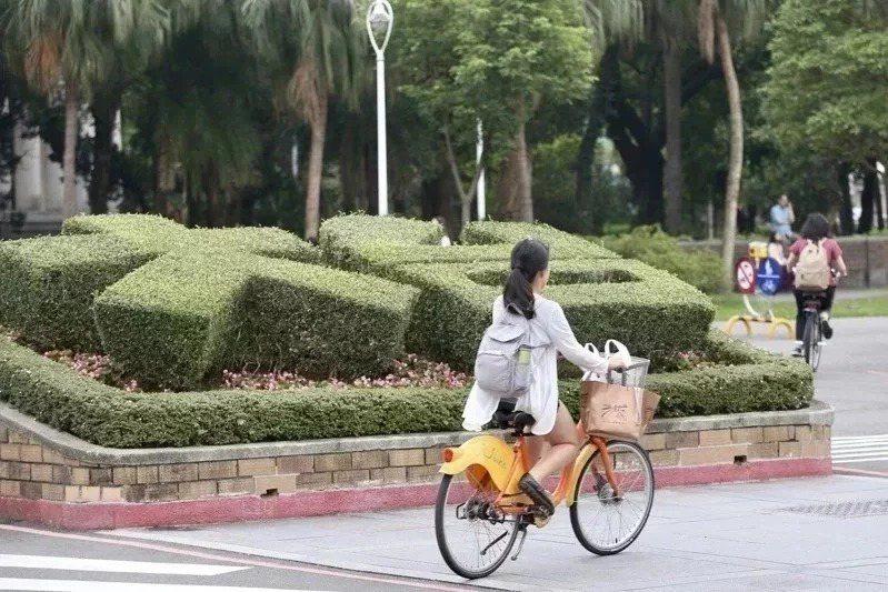 台中市私立玉山高中和國立高雄餐旅大學附屬餐旅高中,都是今年首度有學生錄取台灣大學。圖/聯合報系資料照片