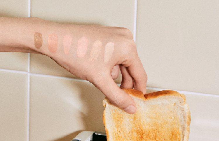 Cushion De Beauté無暇水光氣墊粉餅有6種色號。圖/GUCCI提供