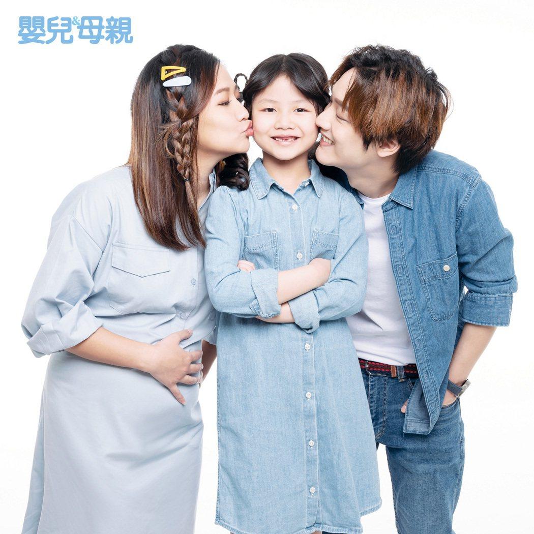「那對夫妻」Kim、Nico感謝女兒妮妮的貼心。圖/嬰兒與母親雜誌提供
