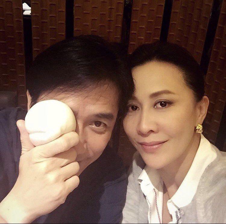 梁朝偉(左)與劉嘉玲感情深厚,平時沒事就待在家裡吃飯、聊天,過很簡單的日子。圖/...