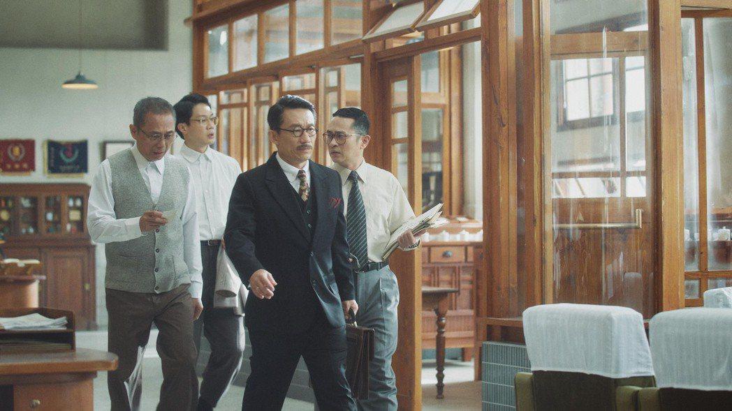 郭子乾在「茶金」中飾演茶葉大王,每回出場氣場強大。圖/公視提供
