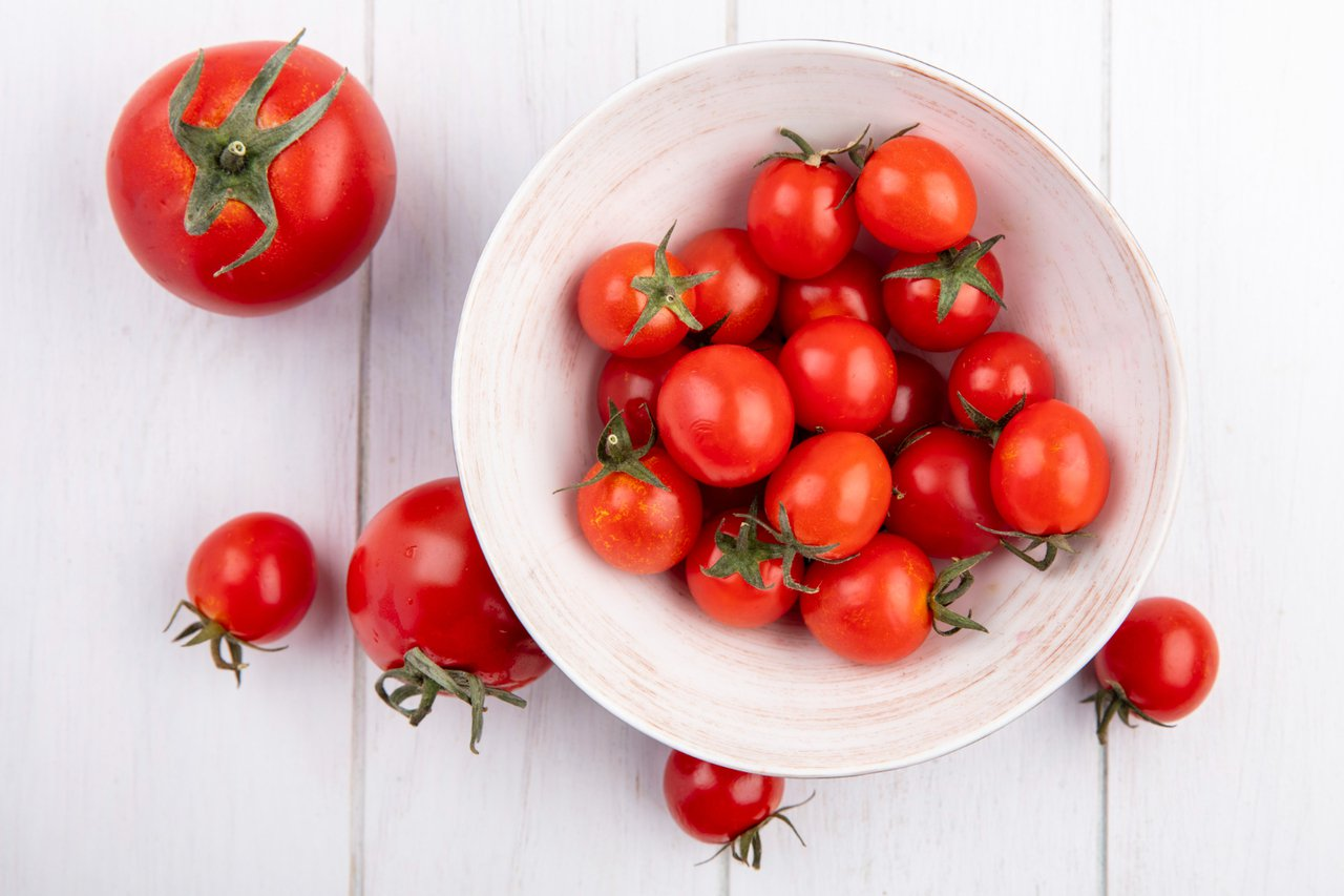 番茄富含茄紅素、β-胡蘿蔔素、維生素A、維生素C等抗氧化營養素,熱量低、膳食纖維...