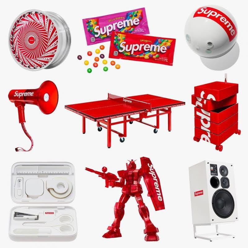 聯名王者Supreme每季都會推出一系列極具話題性的聯名「工具」,最新的桌球桌正...