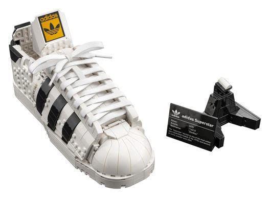 adidas與Lego最新聯名Superstar,除推出真正可以穿的球鞋以外還有...