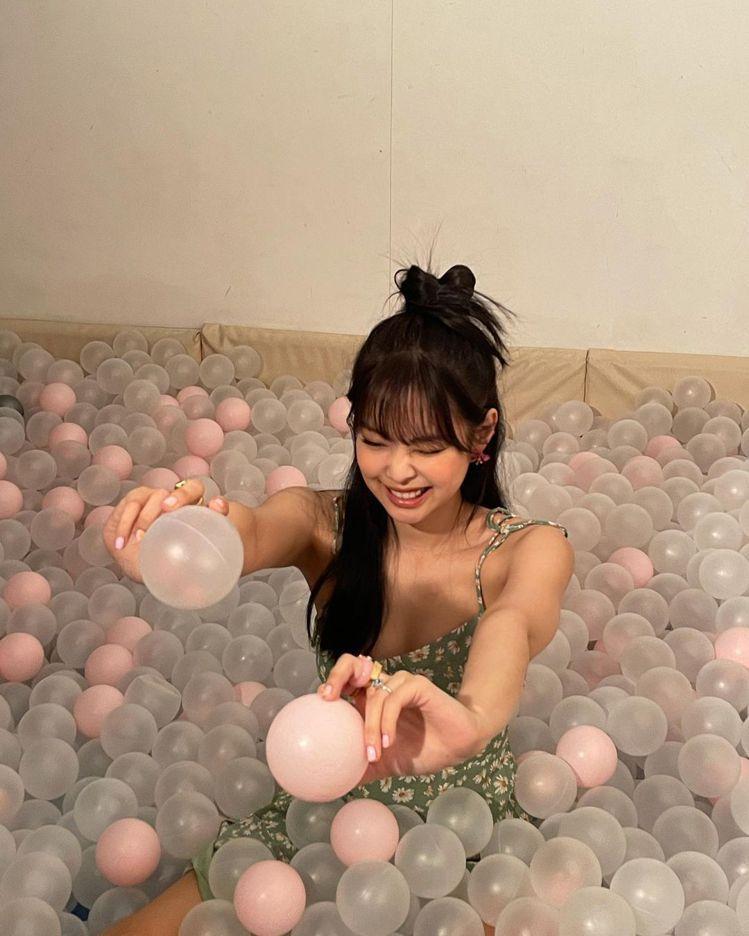 韓國天團BLACKPINK成員Jennie。圖/摘自instagram