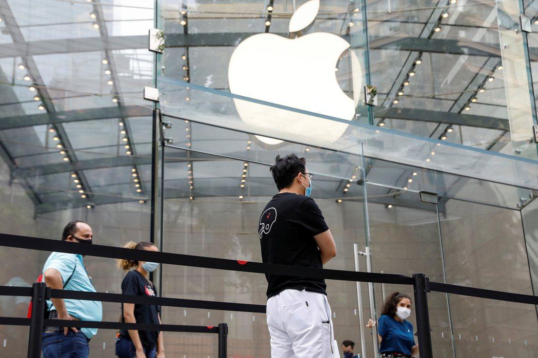 蘋果宣布今年秋季在美國八個州推出數位證件功能。   路透