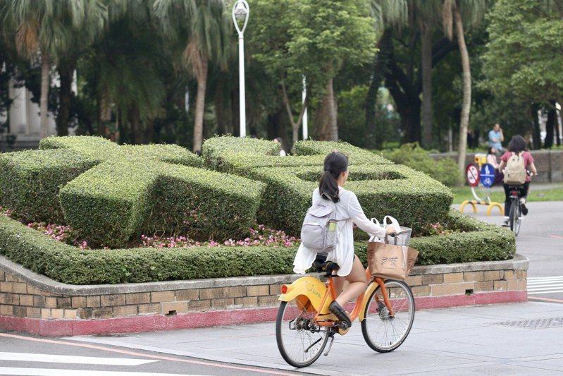 泰晤士高等教育特刊今在台灣時間2日公布2022世界大學排名,台大名列113名,較去年97名降16名,跌出世界百大榜單。本報系資料照片