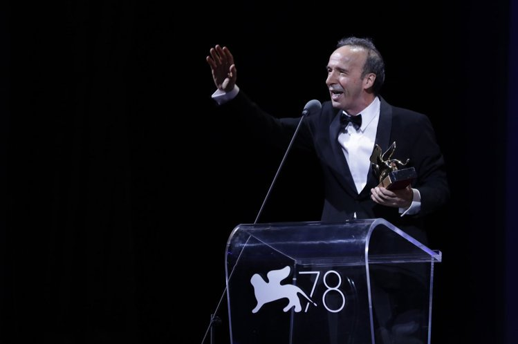 羅貝多貝里尼獲得終身成就獎。圖/摘自官網La Biennale di Venez...