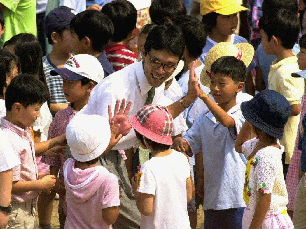 池田小學在悲劇後停課了80天,才於同年8月重新開學。 圖/美聯社