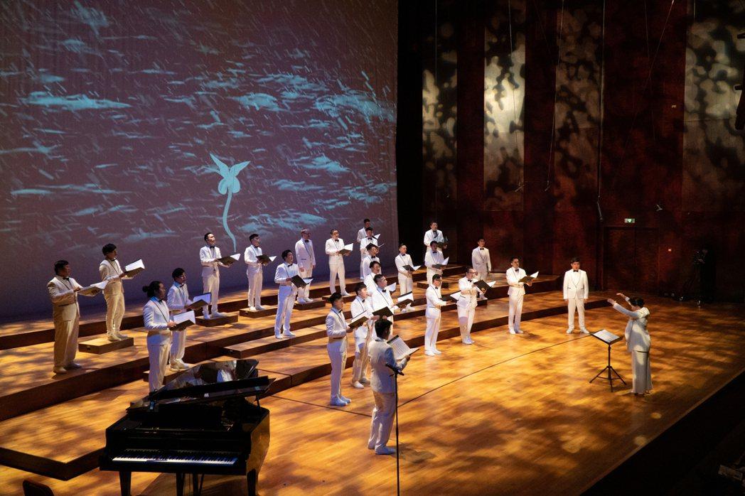 木樓合唱團帶來《璀璨木色.愛的禮讚》音樂會,展現精緻男聲合唱。 圖/木樓合唱團提...
