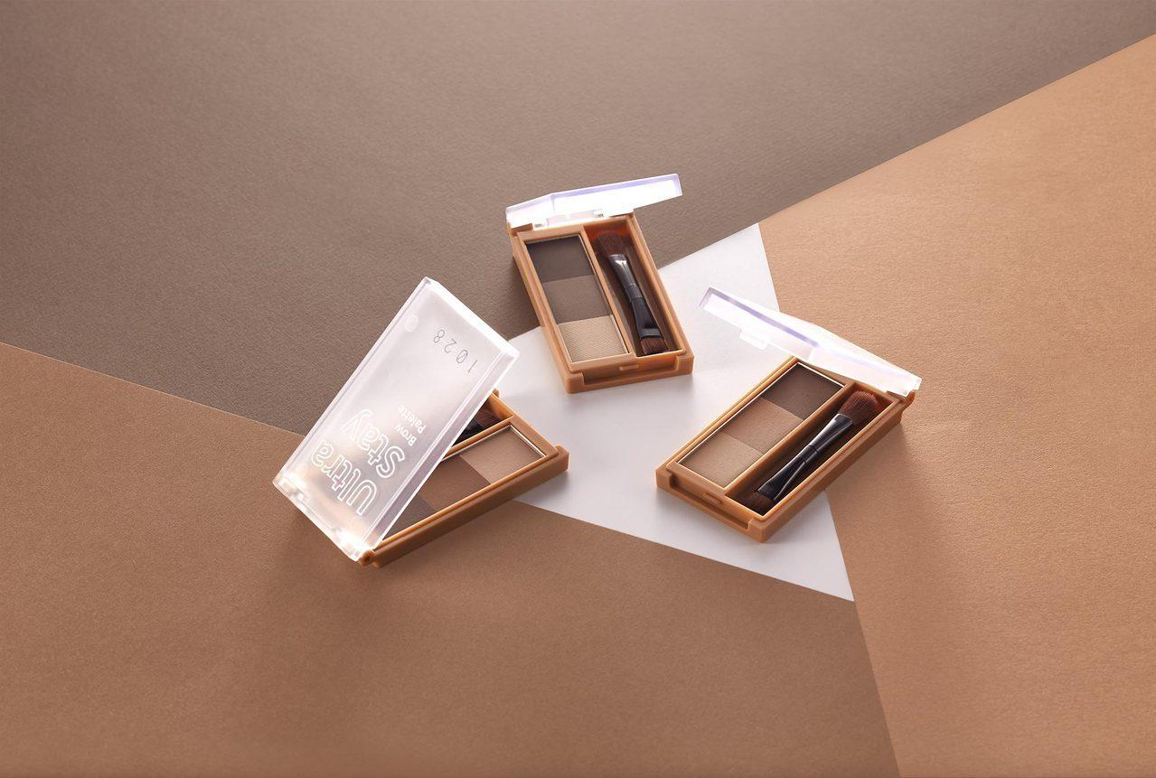 1028「塑描大師立體眉彩盤」,共推出#01柔棕色、#02暖棕色、#03棕灰色,...