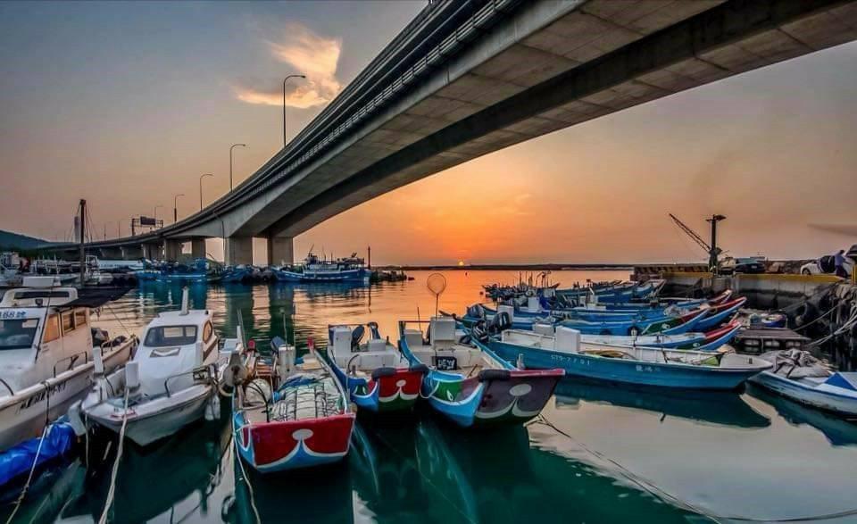 下罟子夕陽美景堪稱一絕。 圖/新北市漁業處提供